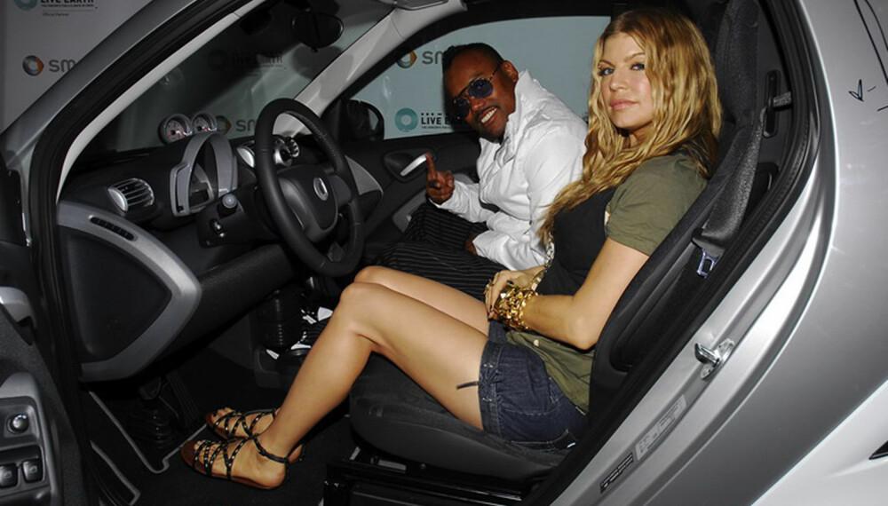 Black Eyed Peas var blant de mange kjendisene som signerte en Smart til inntekt for klimasaken.
