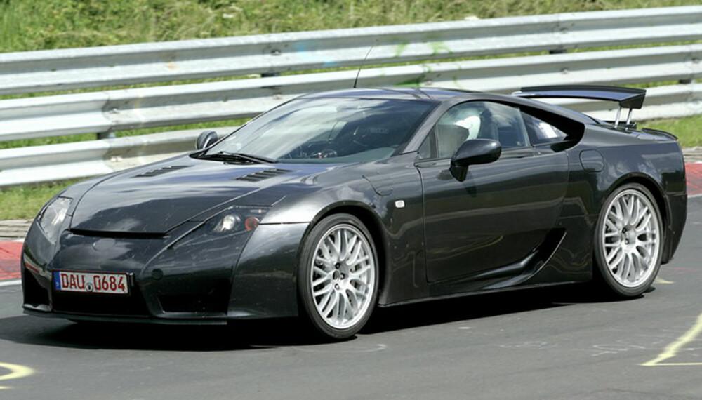 LF-A blir en kompakt sportsbil, med motoren foran og drift bak. (Foto: Automedia)