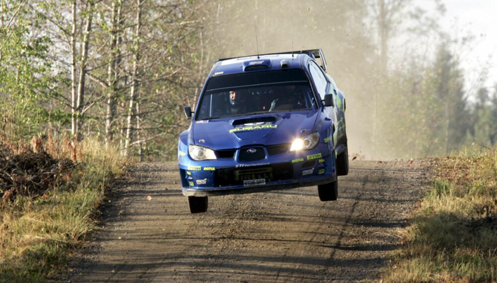 Petter Solberg har gjort det bedre på asfalt enn på grus i tester i sommer. Foto: Tony Welam/SWRT