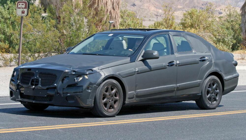 Det sies ikke noe om de ytre målene på bilen, men det kan se ut til at den blir enda et hakk større enn dagens modell. Foto: Automedia
