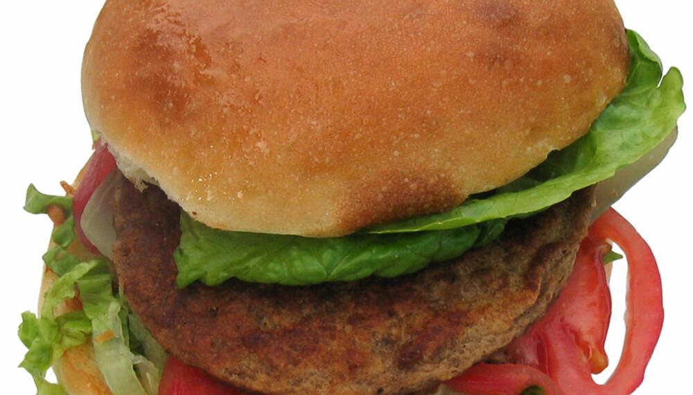 Burgeren blir langt bedre om du bruker karbonadedeig framfor ferdige karbonader.