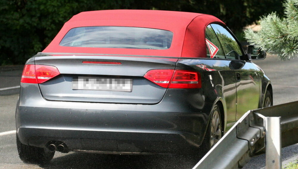 Audi holder seg til stofftak - de mener det tiltrekker de mer sportslig anlagte kjøperne. Dessuten veier det jo en god del mindre enn et sammenleggbart ståltak. Foto: Automedia