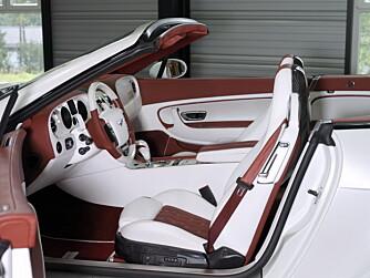 Interiøret lages slik du ønsker - demobilen deres har maritim inspirasjon og heftig lek med kontraster.