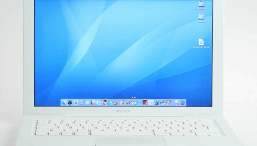 BLENDA-HVITT: Apple MacBook er så hvit at den nesten er blendende.