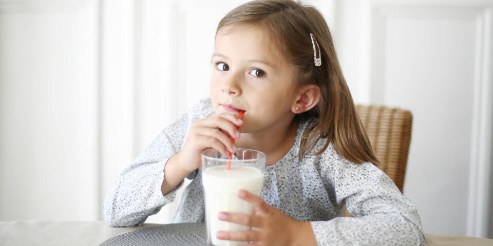 LAKTOSEINTOLERANSE HOS BARN: Svært ofte skyldes magesmerter hos barn forstoppelse, men i noen tilfeller kan det skyldes laktoseintoleranse. Foto: Gettyimages.com.
