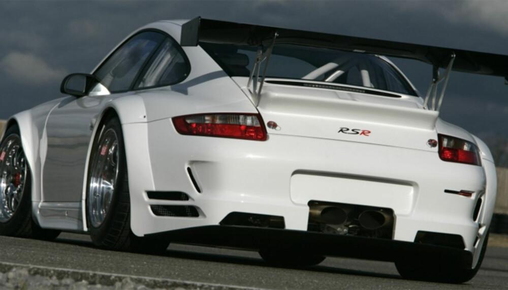 RSR er den aller heftigste 911-varianten som kan kjøpes. Den er rendyrket for racing, og skal kun bygges i 35 eksemplarer.