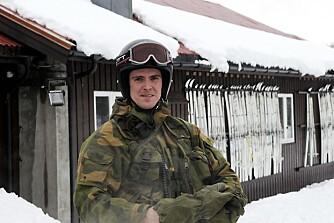 RUSSISK AVSTAMNING: Løytnant Michael Rozmaras foreldre kom til Norge som flykninger da Sovjetunionen invaderte Tsjekkoslovakia. Nå er han sjef på Grense Jacobselv.