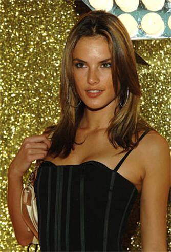 Det gjør også modellen Alessandra Ambrosio.