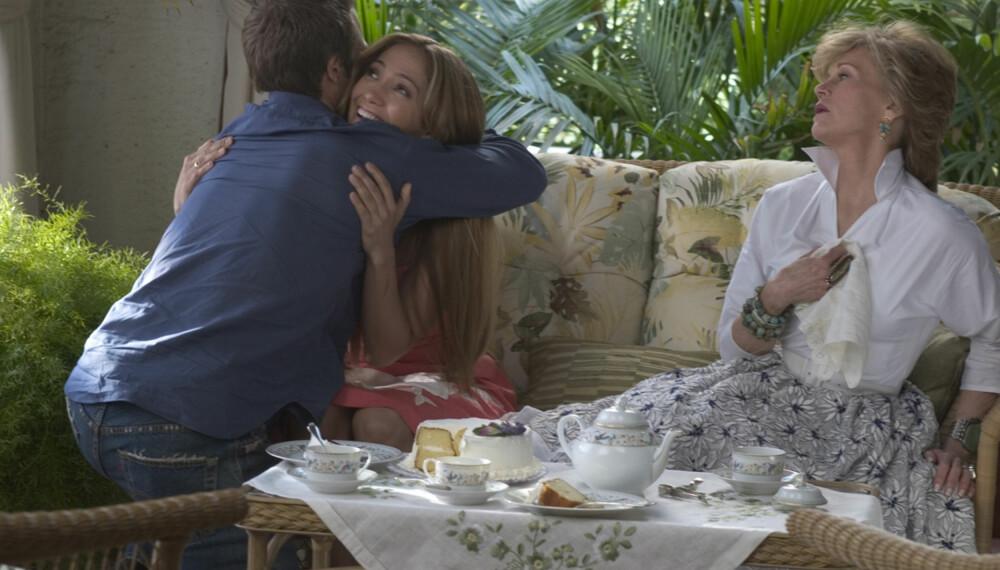 Jane Fonda spiller svigermoren fra helvete i filmen Svigermonster. Du kan antagelig trøste deg med at du ikke får det så ille som Jennifer Lopez! (Foto: SF Norge AS)