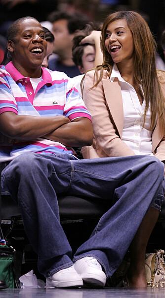 Superparet Jay-Z og Beyonce koser seg ofte sammen på basketballkamper, og favorittlaget er New Jersey Nets. (Foto: WireImage)