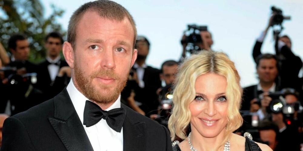 INGEN SKILSMISSE: Madonnas talskvinne avviser ryktene om at sangfuglen og regissøren planlegger en skilsmisse.