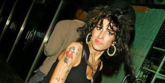 DOPET?: Amy Winehouses far er ovebevist om at noen putte Ecstasy i datterens drink, og at det var dette som forårsaket anfallet hennes mandag kveld.