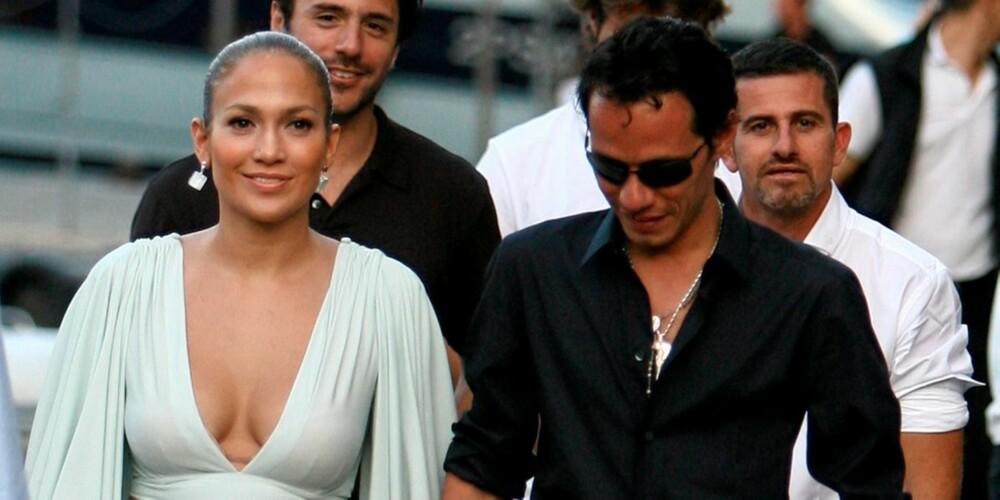 NYTER FERIEN: J-Lo og Marc er på ferie i Italia om dagen. Men hvor er tvillingene?