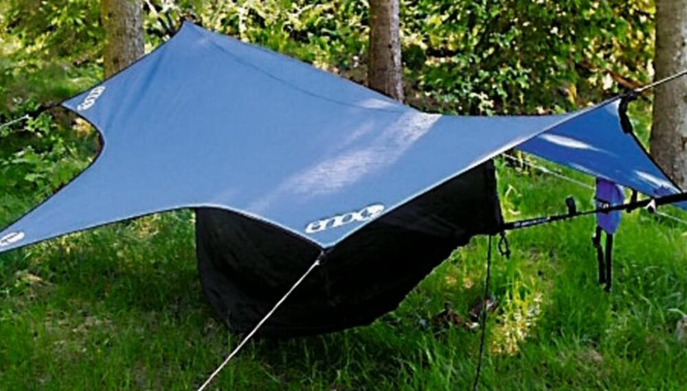 Med telttak spent over, sover du godt selv i regn.(Foto: Yngve Ask)
