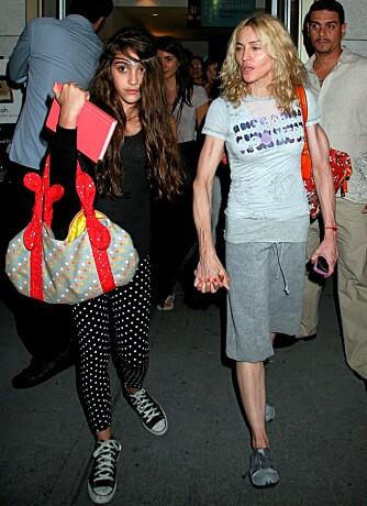 SYKELIG TYNN: Madonna ser nesten tynnere ut enn sin 12 år gamle datter Lourdes