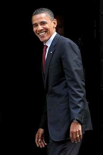 SLÅR TILBAKE: Obama poengeterer av motstadneren McCain kun bruker skitne knep for å vinne - noe som setter ham i et dårlig lys.