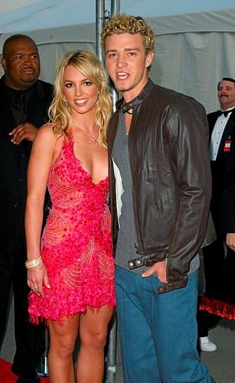 PUPPY-LOVE: Britney og Jsutin møtte hverandre da de var 11 og 12 år, ble kjærester som tenåringer, og gikk hver til sitt i 2002. Her fra American Music Awards 2002.