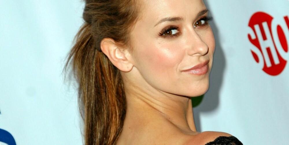 TJENER GODT: Jennifer Love Hewitt har tjent hele 28 millioner kroner i løpet av et års tid.