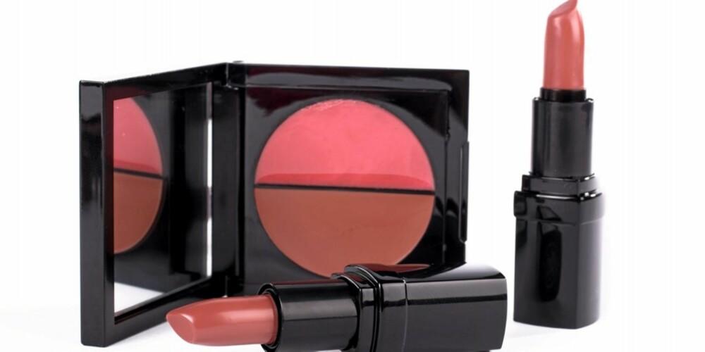 BILLIG: Rouge, øyenskygge, maskara og leppestift er ofte rimelige og gode i kjedebutikkene.
