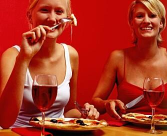 Et glass rødvin til maten kan være positivt for helsen.