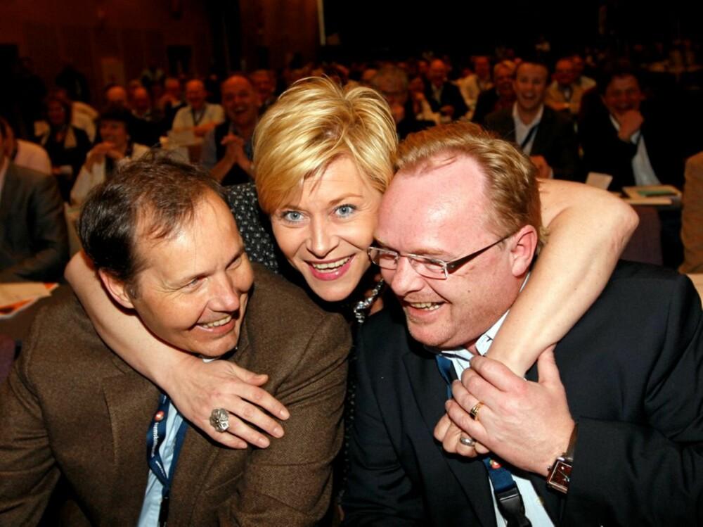 SIV OG GUTTA: Partiformann Siv Jensen tar et godt tak rundt sine to nestformenn, Per Sandberg (t.h.) og Per Arne Olsen.