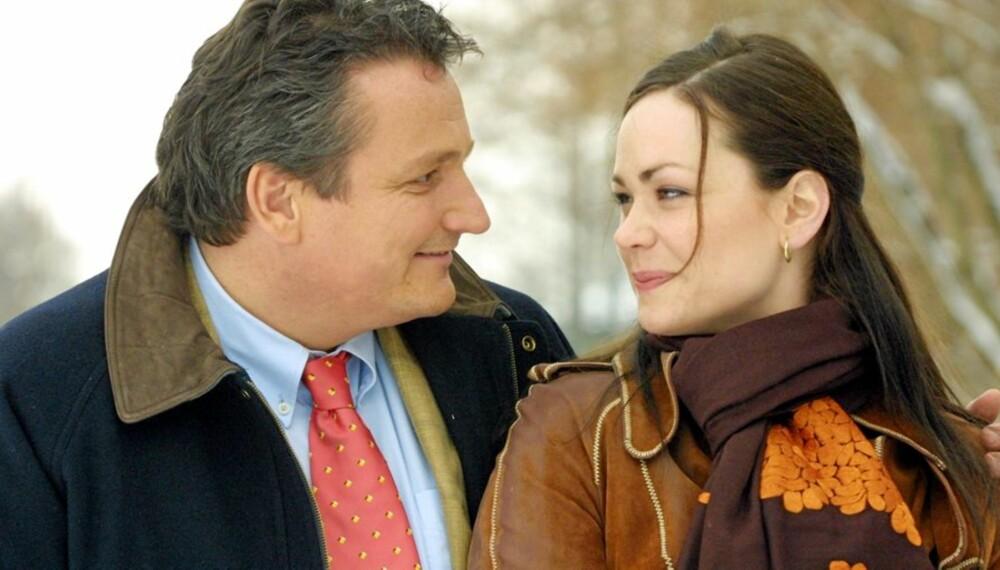 SUKSESS: Produsent Tom Sterri spilte Harry Hole i en kort periode av serien. Her sammen med Elin Sogn som Julie Anker Hansen.