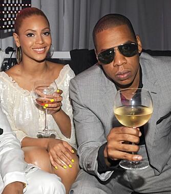 STJERNEPAR: Beyoncé Knowles og Jay-Z var kjærester i seks år før de giftet seg i april. Her er de sammen i mai.
