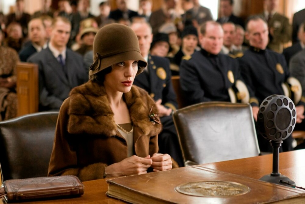 KARRIERESLUTT: Angelina Jolie som Christine Collins i Changeling.