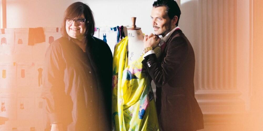 FARGERIKT SAMARBEID: H&Ms kreative rådgiver Margareta van den Bosch og Matthew Willimson ved en av de fargerike kjolene designeren har laget for H&M.
