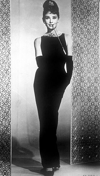 MEST IKONISKE MOTEPLAGG: Den svarte Givenchy-kjolen Audrey Hepburn bar i filmen er kåret til det mest ikoniske moteplagget i en film.