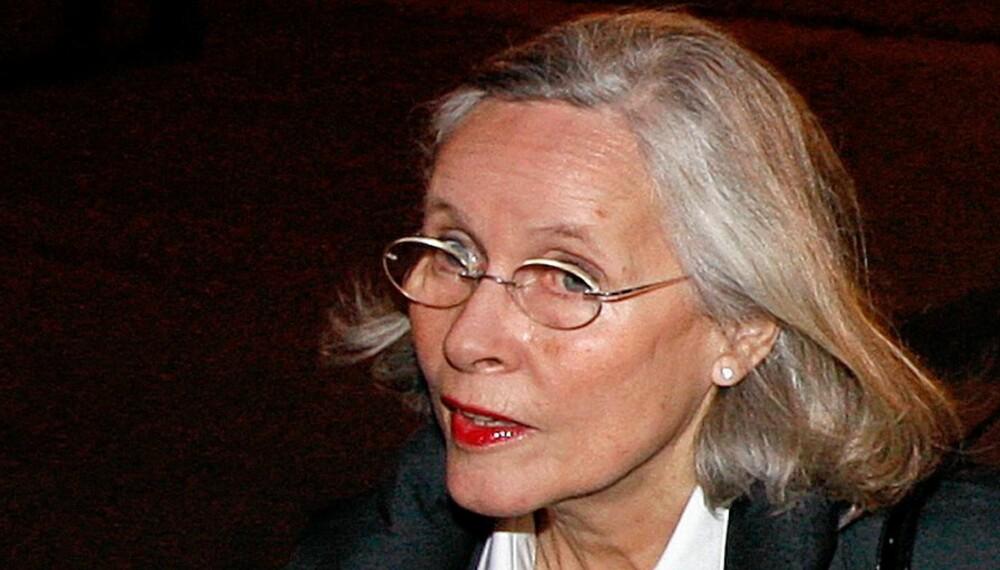 RASENDE: Kronprinsesse mette-marits mor, Marit Tjessem, ligger i krangel med stesønnene.