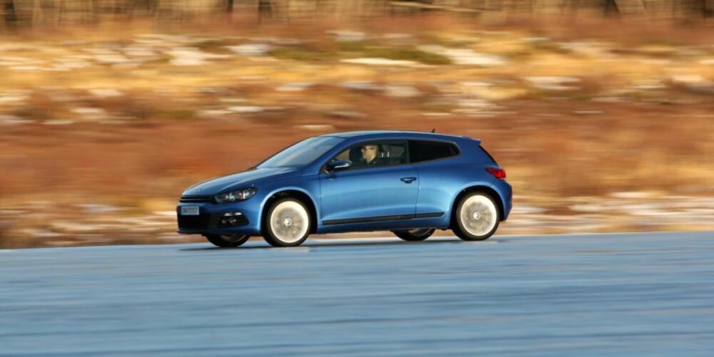IMPONERENDE VW: Volkswagen Scirocco imponerer med sine sportslige kjøreegenskaper.