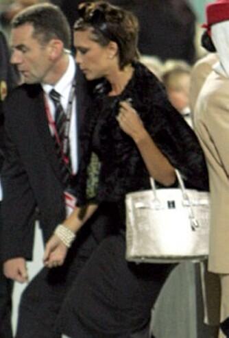 EKSKLUSIV: Victoria Beckhams Hermès Himalayan Birkin-veske av krokodilleskinn koster 1 million kroner, og har en tre karats diamant festet i låsen.