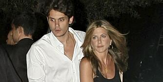 UVIKTIG: John Mayer mente han hadde mer glede av Twitter enn av kjæresten Jennifer Aniston. Kanskje ikke så rart det gikk galt?