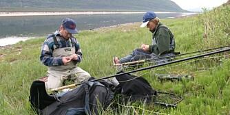 MIXED DOUBLE: Gutta skal i større grad ta med seg jentene på fisketur synes NJFF.