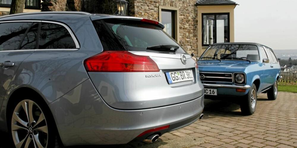 NY OG GAMMEL: Opel Insignia foran den 30 år gamle Ascona Voyage.