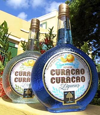 APPELSINLIKØR: Curacao er verdenskjent for likøren de produserer i en rekke forskjellige farger.