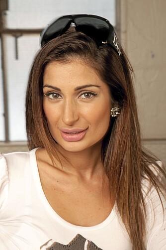 NATURLIG? Bollywood-stjernen Negar Khan påstår at hun ikke har forstøret leppene.