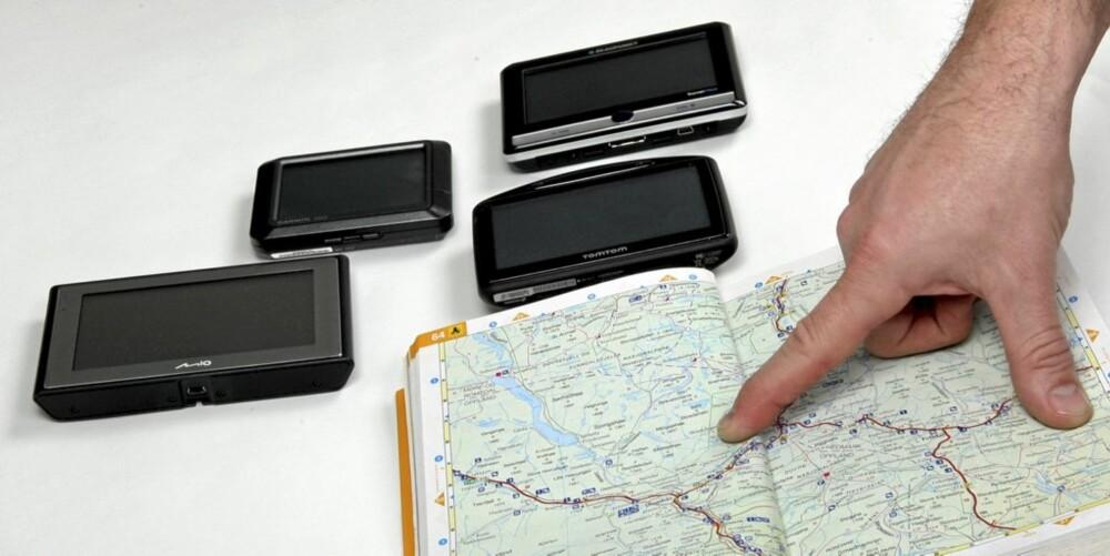 BILLIGERE: Mobile GPSer har svært mange fordeler i forhold til integrerte systemer. Blant annet kan kartene oppdateres langt billigere.