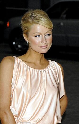 NEI!: Sminkøren til Paris Hilton tok muligens fri denne dagen. Hvit concealer kombinert med nedover-eyeliner er ingen hit.