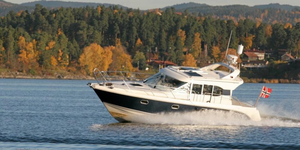 RIKTIG FART: Små justeringer av farten ga store utslag i forbruk på vår langtestbåt Aquador 32C.