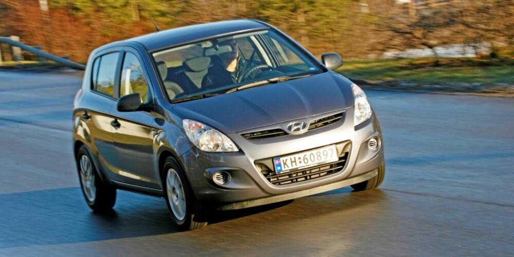 SPREKE LINJER: Hyundai i20 er snerten, men vil nok neppe skille seg veldig ut i trafikken på sikt.