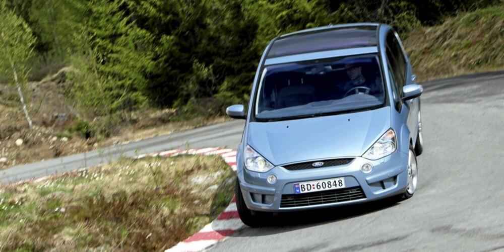 KJØREMESTEREN: S-Max er den kalrt mest kjøreglade av flerbruksbilene