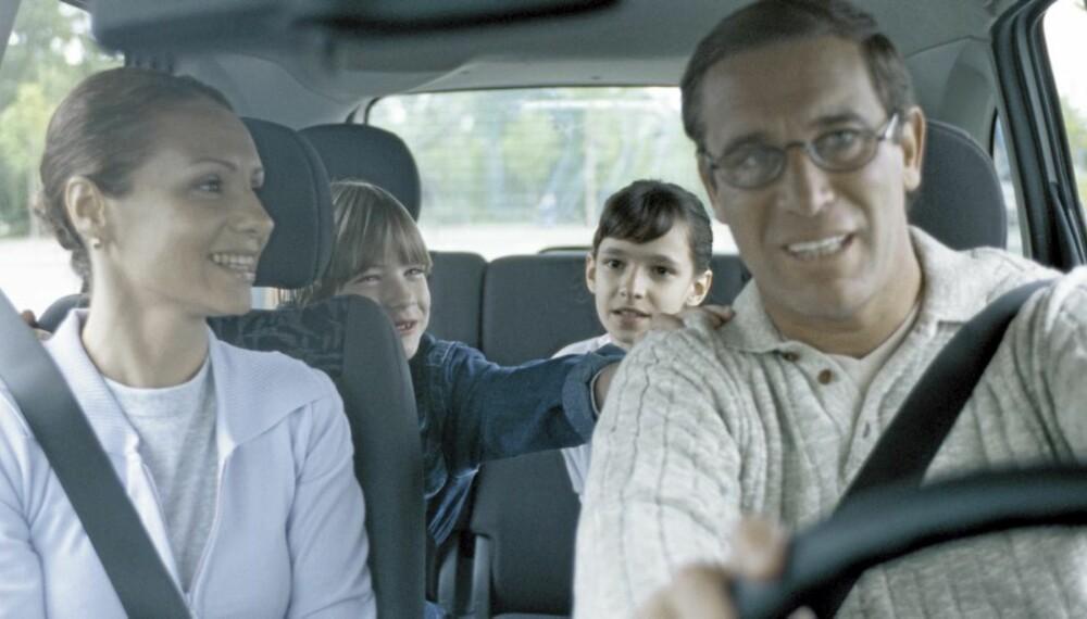 FAMILIEIDYLL: Dårlig plass skaper fort dårlig stemning, og derfor kan en flerbruksbil redde bilturen med familien.