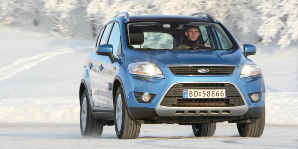 KJØREMESTER: Da Ford Kuga ble introdusert utmerket den seg med sportsligste kjøreegenskaper i en klasse som ikke akkurat var kjent for slikt. FOTO: Egil Nordlien, HM Foto