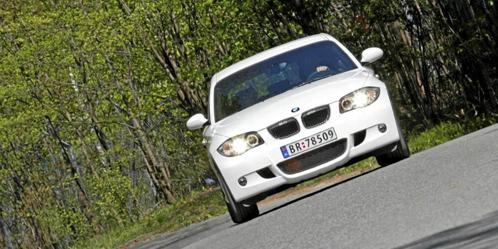 SPORTSLIG: BMW 1-serie satser mer på sportslighet enn andre konkurrenter i kompaktbilklassen.