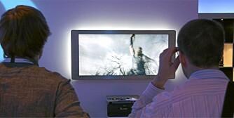 FILM I 3D: Alt til neste år kan de første produktene for 3D i hjemmet se dagens lys. På IFA viser Philips frem sin 21:9 film-TV med 3D-funksjonalitet.