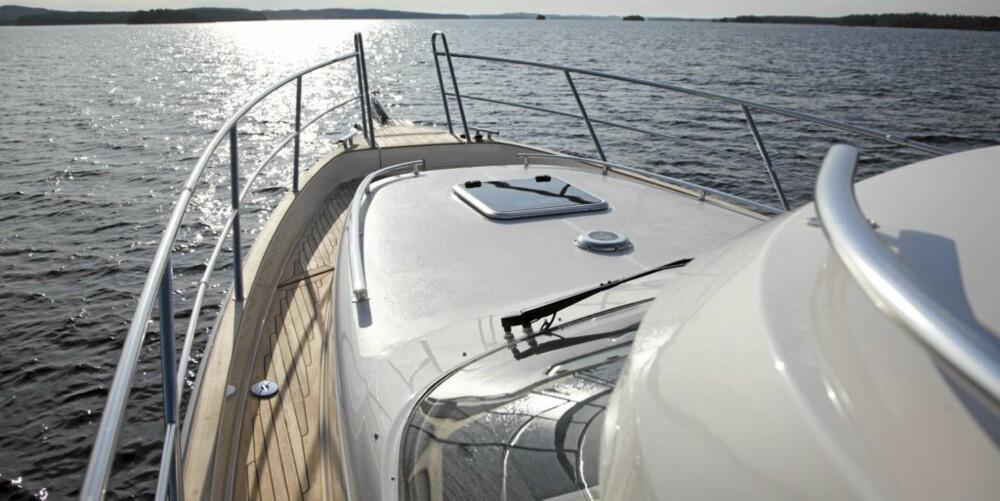 Greie dollbord og bra dekk på Aquador 33 HT.