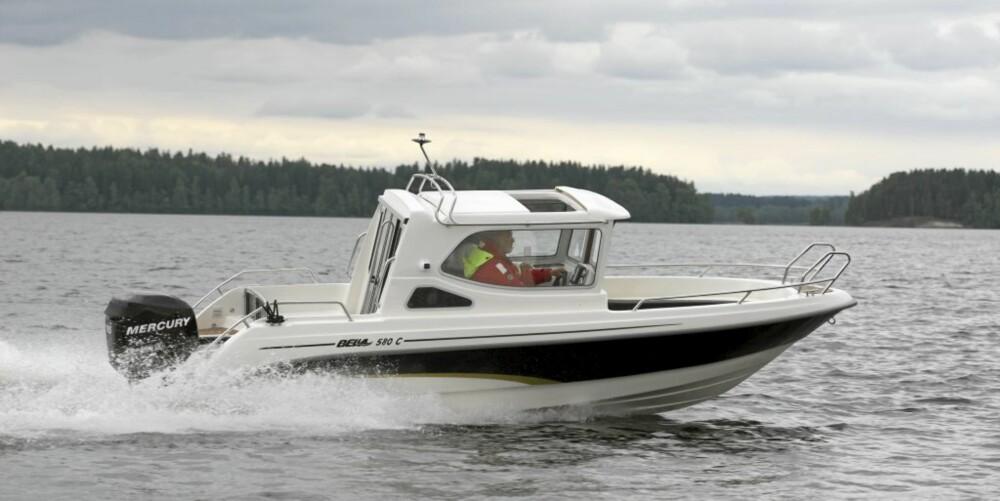 Bella 580 C imponerer med pris godt under 300 000,-.