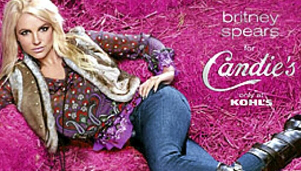 I HØYET: Britney Spears hopper i høyet for Candie's